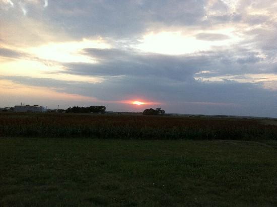 Kansas sunset along I-70